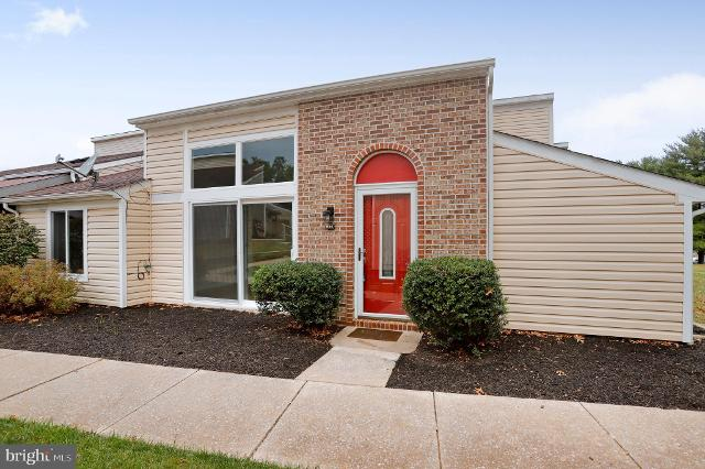 1645 Woodlands Run, Hagerstown, 21742, MD - Photo 1 of 30