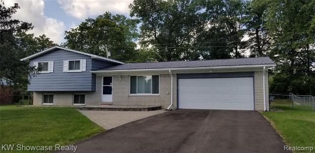 3043 Golfhill Dr, Waterford, 48329, MI - Photo 1 of 36