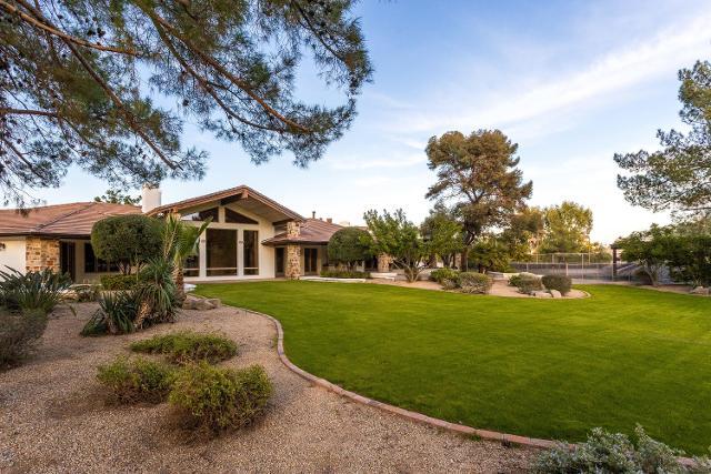 8901 N Martingale Rd, Paradise Valley, 85253, AZ - Photo 1 of 36