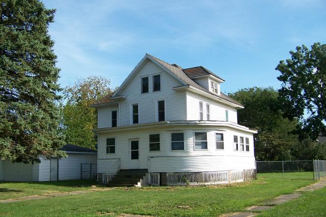 32 Oak, Piper City, 60959, IL - Photo 1 of 20