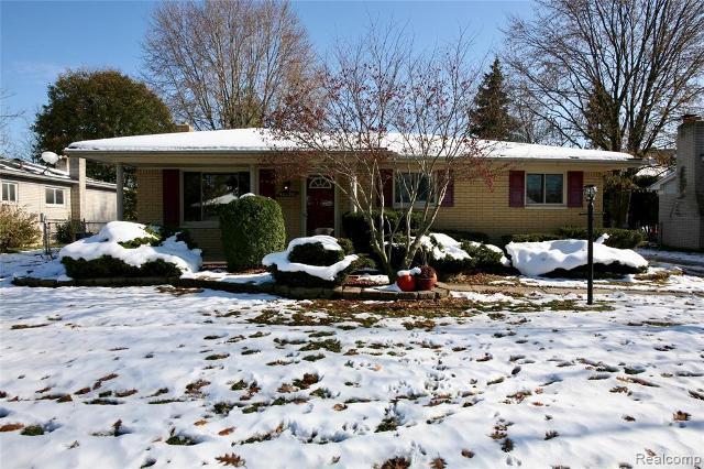 40596 Passmore Dr, Clinton Township, 48038, MI - Photo 1 of 19