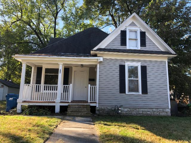 516 Williams St, Carthage, 64836, MO - Photo 1 of 17