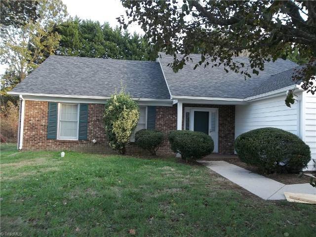 10 Hickory Knoll Ct, Greensboro, 27407, NC - Photo 1 of 16