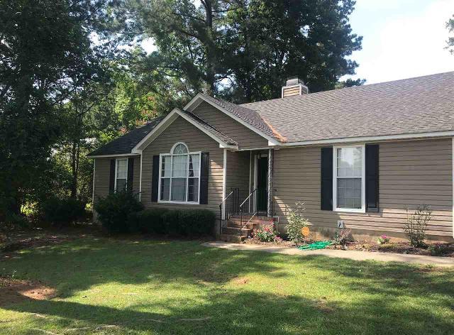109 Heathwood, Macon, 31206, GA - Photo 1 of 21