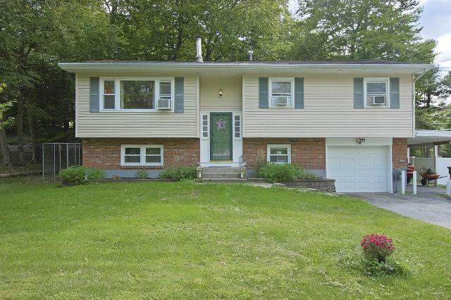 63 Sutton Park, Poughkeepsie Twp, 12603, NY - Photo 1 of 26