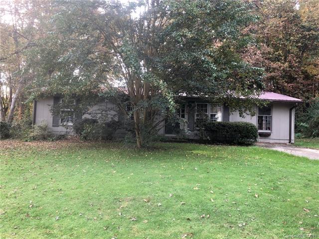47 Springside Dr, Hendersonville, 28792, NC - Photo 1 of 17