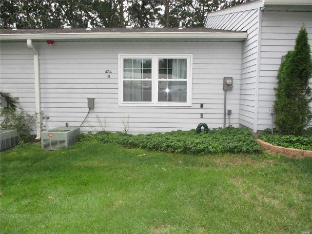 424B Woodbridge Unit55, Ridge, 11961, NY - Photo 1 of 9