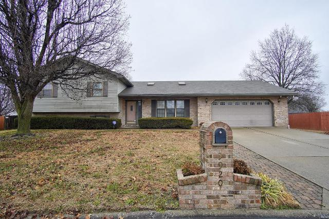 3920 Michael John Dr, Swansea, 62226, IL - Photo 1 of 24