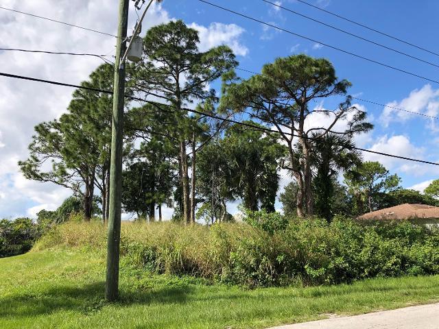 1792 SE Fallon Dr, Port Saint Lucie, 34983, FL - Photo 1 of 3