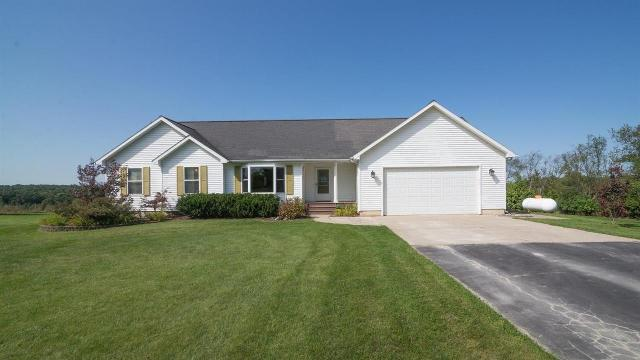9881 Scully Rd, Whitmore Lake, 48189, MI - Photo 1 of 43