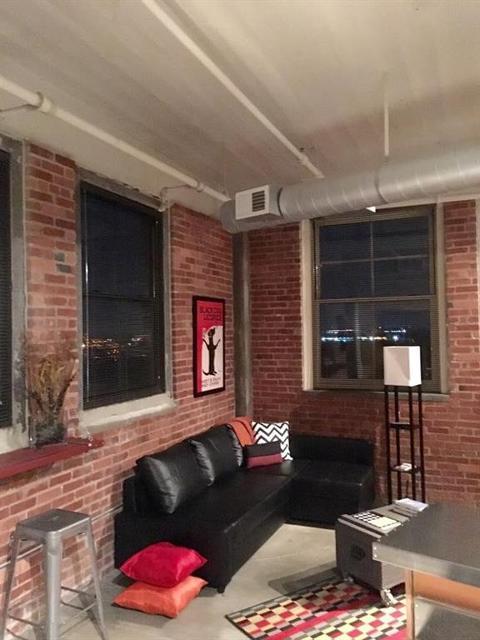 200 Main Unit403, Kansas City, 64105, MO - Photo 1 of 25
