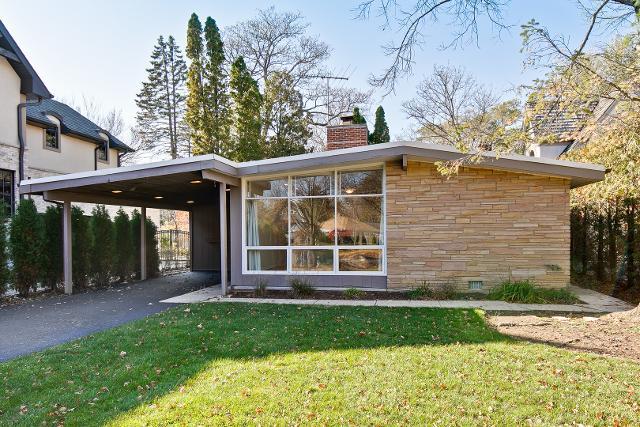 1694 Elmwood Dr, Highland Park, 60035, IL - Photo 1 of 30