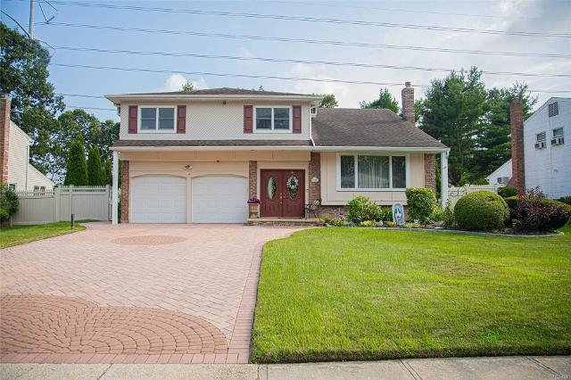 14 Sioux, Commack, 11725, NY - Photo 1 of 20