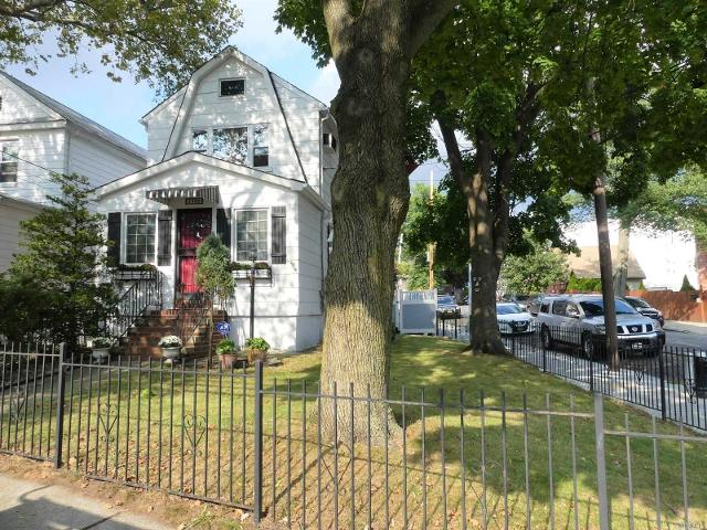 53-99 66th, Maspeth, 11378, NY - Photo 1 of 20