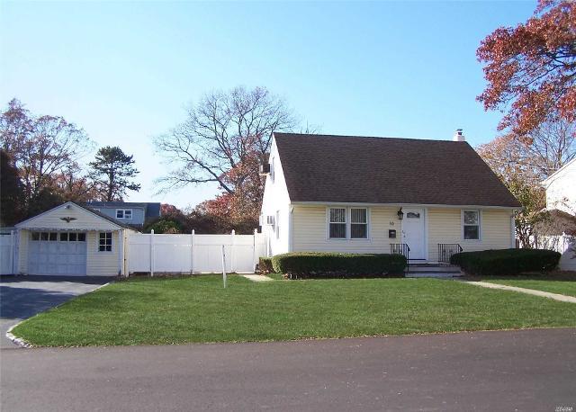 10 Costello Ave, Bay Shore, 11706, NY - Photo 1 of 11