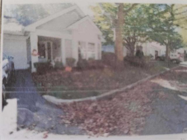 101 Glen, Ridge, 11961, NY - Photo 1 of 20
