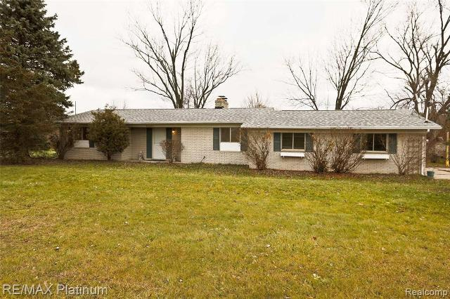 10201 Fenton Rd, Fenton, 48430, MI - Photo 1 of 21