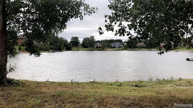 4544 Coastal Pkwy, White Lake, 48386, MI - Photo 1 of 2