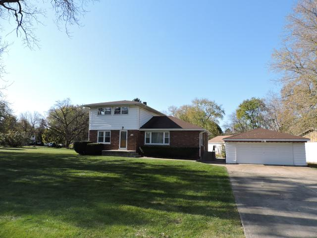 300 Blackstone Ave, Willow Springs, 60480, IL - Photo 1 of 26