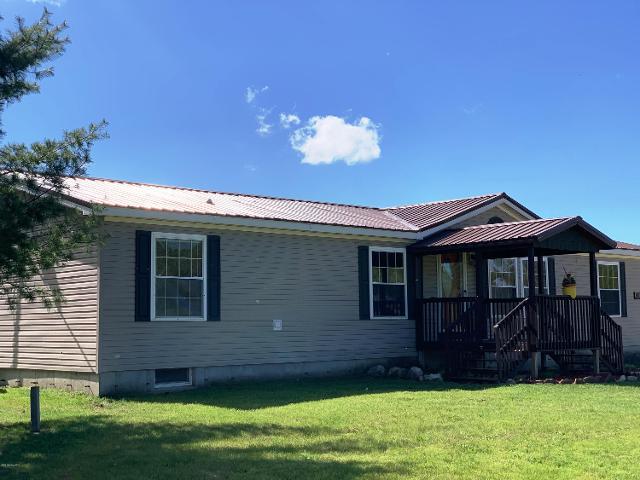 10891 S Hawkins Rd, Reed City, 49677, MI - Photo 1 of 77