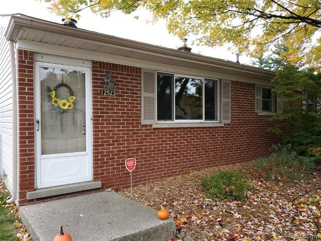 12523 Clinton Riv, Sterling Heights, 48313, MI - Photo 1 of 31