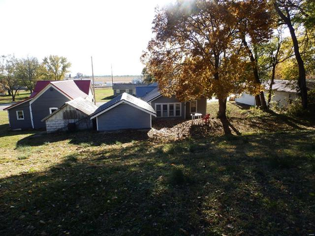 385 Quincy W, Kinderhook, 62345, IL - Photo 1 of 14