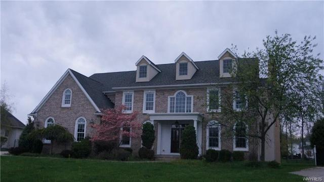 39 Nature Cove, Amherst, 14221, NY - Photo 1 of 9