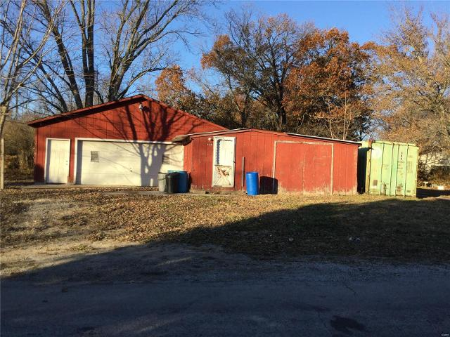 108 Adams St, Pocahontas, 62275, IL - Photo 1 of 17