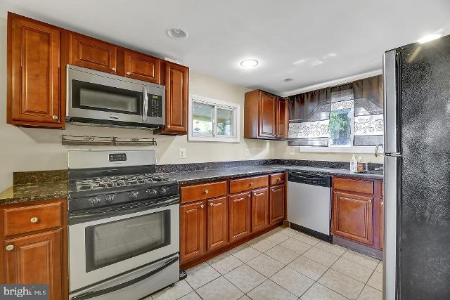 205 5th, Baltimore, 21227, MD - Photo 1 of 28