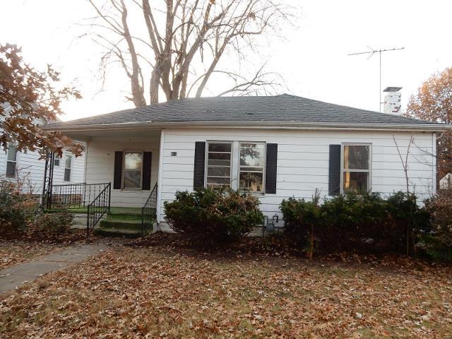 915 N Montgomery St, Litchfield, 62056, IL - Photo 1 of 13