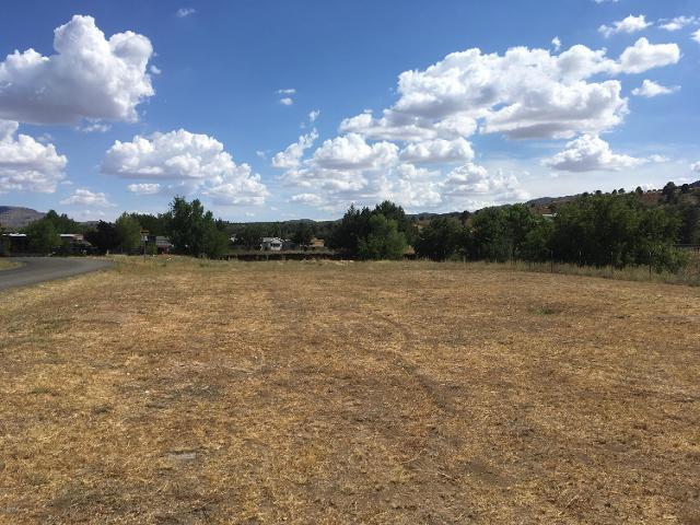 18179 S Pioneer Ave, Peeples Valley, 86332, AZ - Photo 1 of 2