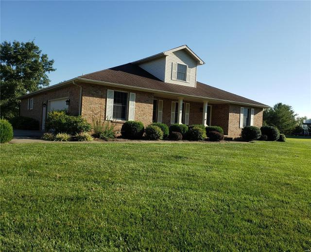 2790 Governors, Carlyle, 62231, IL - Photo 1 of 38