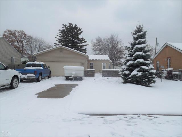 20446 Williamson St, Clinton Township, 48035, MI - Photo 1 of 9