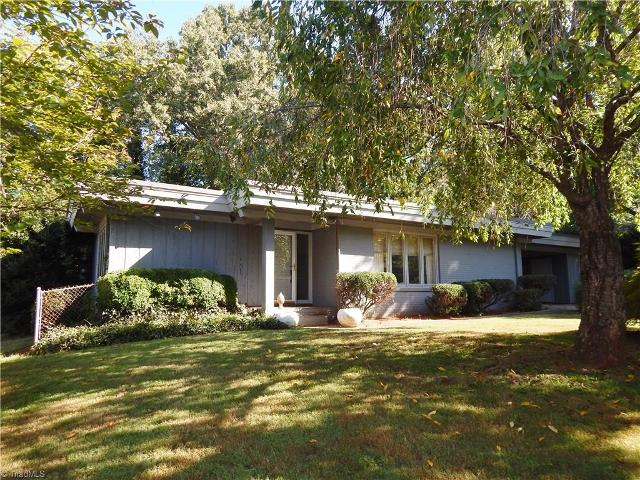 22 Devonshire, Greensboro, 27410, NC - Photo 1 of 16