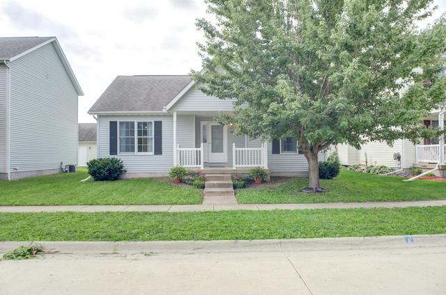 915 Perry, Normal, 61761, IL - Photo 1 of 27