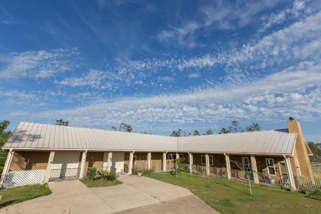 600 Elkcam Blvd, Chipley, 32428, FL - Photo 1 of 22
