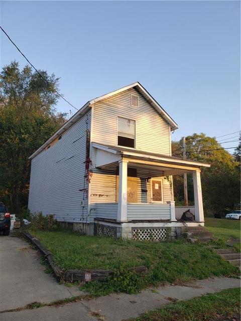 619 Cedar, New Castle, 16102, PA - Photo 1 of 3
