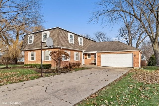 747 N Willow Wood Dr, Palatine, 60074, IL - Photo 1 of 24