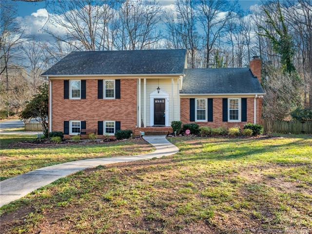 910 Longbow Rd, Charlotte, 28211, NC - Photo 1 of 49