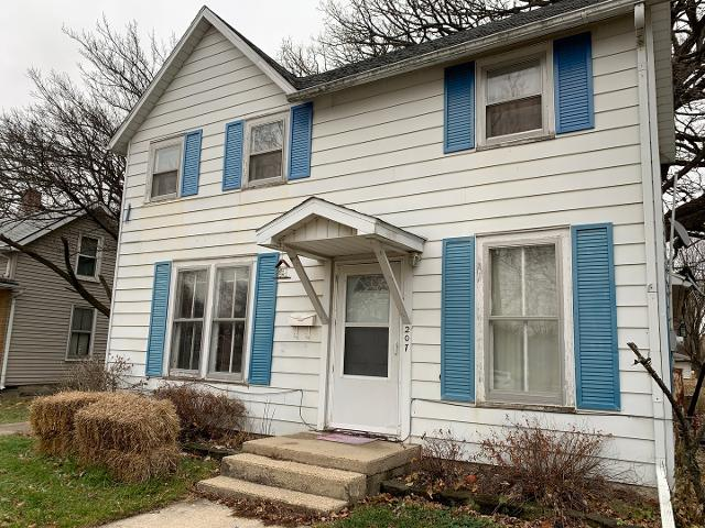 207 N Webster St, Fairbury, 61739, IL - Photo 1 of 36