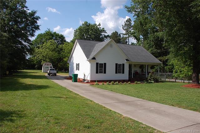 125 E 10th St, Oakboro, 28129, NC - Photo 1 of 14