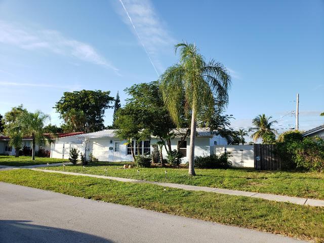 1015 SE 6th St, Deerfield Beach, 33441, FL - Photo 1 of 10