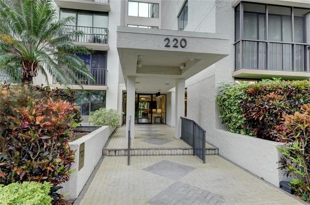 220 Belleview Blvd Unit 601, Belleair, 33756, FL - Photo 1 of 20