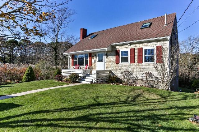 10 Gosnold St, Barnstable, 02601, MA - Photo 1 of 42