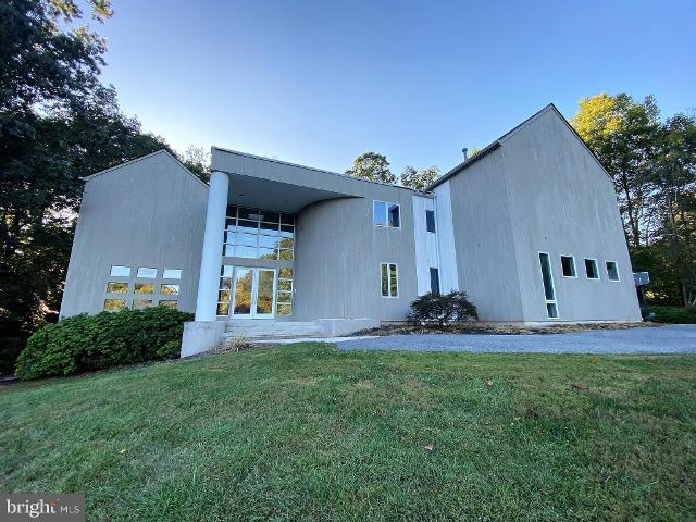 3227 Hunting Tweed Dr, Owings Mills, 21117, MD - Photo 1 of 45