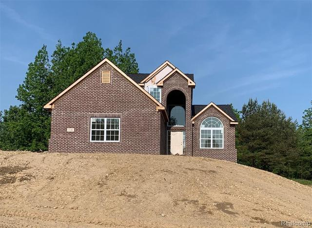2141 Crested Butte Dr, White Lake, 48383, MI - Photo 1 of 29
