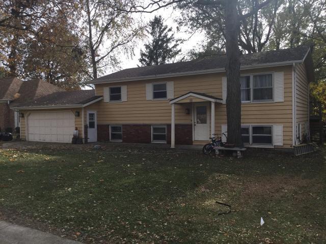 9 Foxhill Ct, Monticello, 61856, IL - Photo 1 of 28