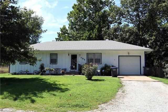 702 Cass, Harrisonville, 64701, MO - Photo 1 of 27