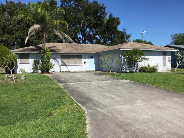261 SE Fallon Dr, Port Saint Lucie, 34983, FL - Photo 1 of 20