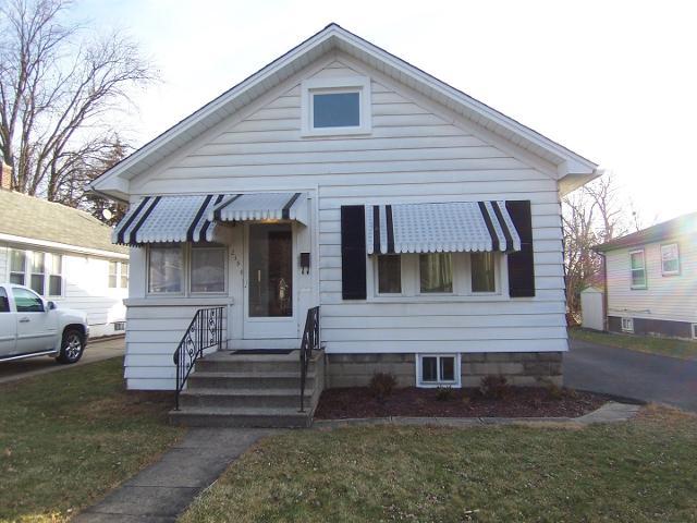 215 S Elmwood Ave, Waukegan, 60085, IL - Photo 1 of 26